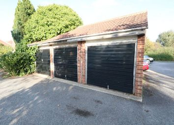 Parking/garage for sale in Conway Gardens, Grays RM17