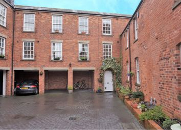 Thumbnail 2 bed town house for sale in Albion Street, Birmingham