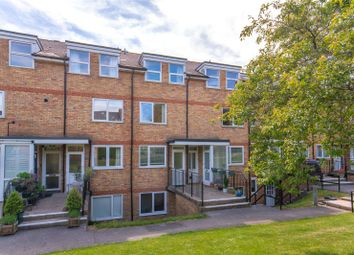 Thumbnail 2 bed maisonette for sale in Lincoln Court, Berkhamsted, Hertfordshire