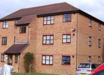 Thumbnail 1 bedroom flat to rent in Marmet Avenue, Letchworth Garden City