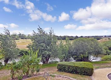 Station Road, Pulborough, West Sussex RH20. 1 bed flat
