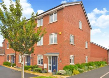 4 bed property for sale in Goodhart Crescent, Dunstable, Bedfordshire LU6
