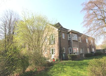 Thumbnail 1 bed flat to rent in Cordons Close, Chalfont St. Peter, Gerrards Cross