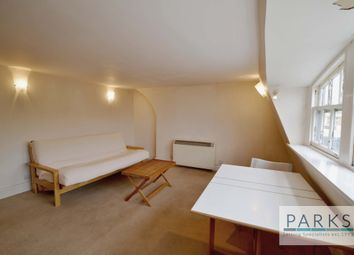 Thumbnail 1 bed flat to rent in Regency Square, Brighton
