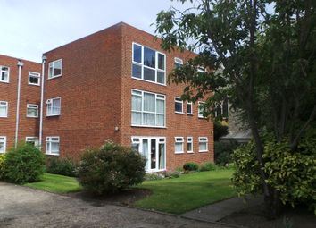 Thumbnail 3 bed flat to rent in Granville Road, Sidcup