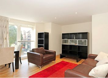 Thumbnail 1 bed flat to rent in Chambers Street, London
