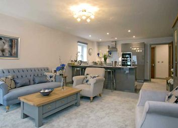 Thumbnail 2 bed flat for sale in Leatherhead Road, Bookham, Leatherhead