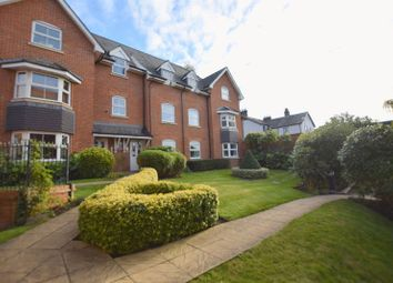 Thumbnail 2 bed flat to rent in Gowers Yard, Tring