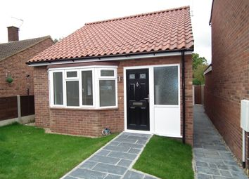 Thumbnail 2 bedroom bungalow for sale in Somers Square, North Mymms, Hatfield