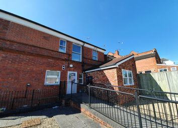 2 bed flat to rent in Wantage Road, Reading RG30