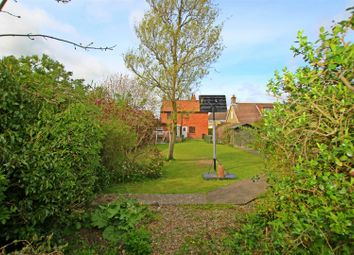 Thumbnail 4 bed detached house for sale in Heatherdene, Firthland Road, Pickering