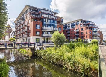 2 bed flat to rent in Wadbrook Street, Kingston Upon Thames KT1