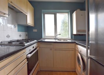 Thumbnail 2 bedroom flat to rent in Meadow Way, Reigate