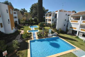 Thumbnail 2 bed apartment for sale in Calahonda, Málaga, Andalusia, Spain