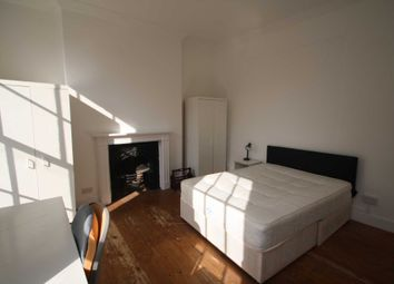 Room to rent in Royal College Street, London NW1