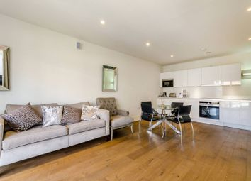 Thumbnail 2 bed flat to rent in Oakhill Road, East Putney