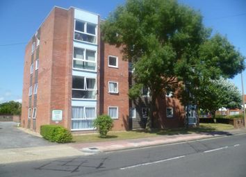 Thumbnail 2 bedroom flat to rent in Northcourt Road, Broadwater, Worthing