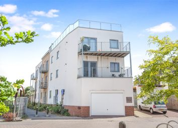 Temple Court, Barton Road, Bristol, Somerset BS2. 3 bed flat