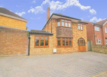 Thumbnail 4 bedroom detached house to rent in Park Lane, Langley, Berkshire