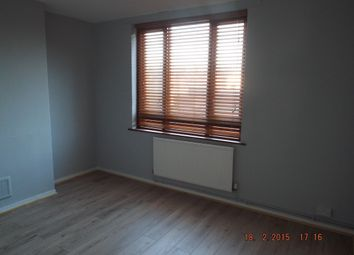Thumbnail 3 bedroom flat to rent in Wrens Park Road, London