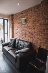 Room to rent in Vallance Road, London E1