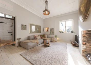 Thumbnail 2 bedroom flat for sale in Oakhill Road, London