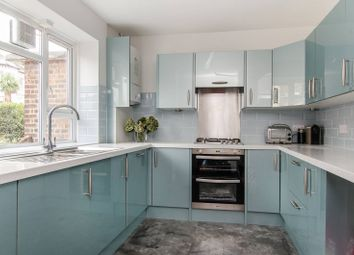 Thumbnail 3 bed maisonette to rent in Lavender Sweep, Clapham Junction