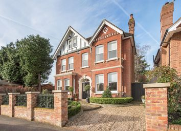 Thumbnail 6 bed detached house to rent in Rosebery Avenue, Harpenden