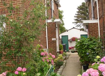 Thumbnail 2 bed flat to rent in Milespit Hill, Mill Hill, London