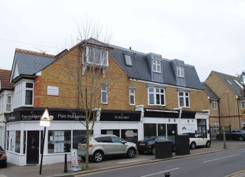 Thumbnail 2 bed flat to rent in Elm Road, Leigh-On-Sea