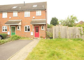 Thumbnail 3 bed property to rent in Gardenia Avenue, Luton