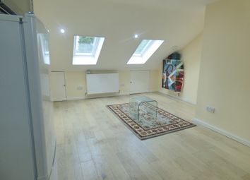 Room to rent in Martins Road, Bromley BR2