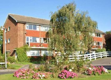 Thumbnail 2 bedroom flat to rent in Springfield Park, Twyford, Reading