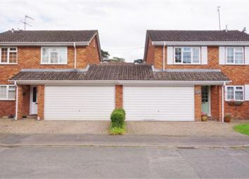 Thumbnail 4 bed detached house to rent in Chestnut Close, Maidenhead