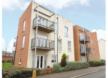 18 The Moors, Redhill RH1. 2 bed flat for sale
