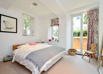 Thumbnail 2 bedroom flat to rent in Camberwell Grove, Camberwell