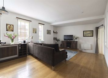Commercial Road, London E14. 2 bed flat