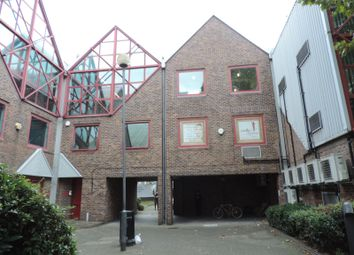 Thumbnail Commercial property to let in Skylines Village, Limeharbour, Canary Wharf