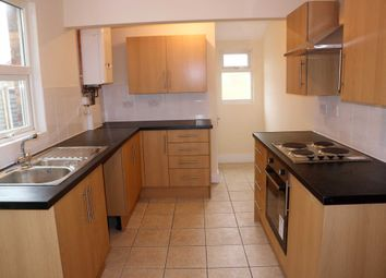 Thumbnail 4 bed terraced house to rent in Kent Avenue, Ashford
