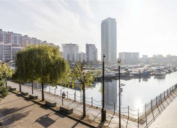 Thumbnail 2 bed flat to rent in Boardwalk Place, London