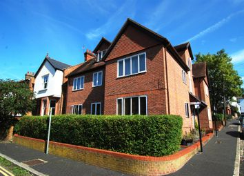Thumbnail 2 bed flat to rent in Thorpe Road, St.Albans