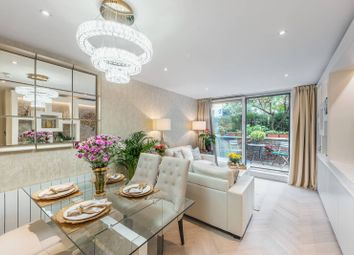 Thumbnail 3 bed flat for sale in Neville House, Westminster