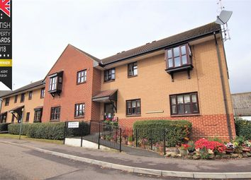 Thumbnail 2 bed property for sale in Hilltop Close, Rayleigh