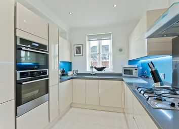Thumbnail 2 bed flat to rent in Mayfield Road, Weybridge