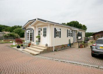 2 bed mobile/park home for sale in Woodlands Park, Biddenden TN27