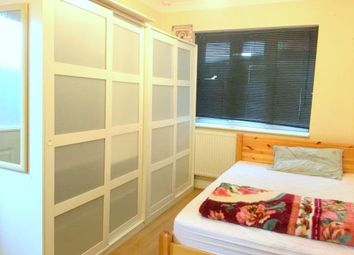 Thumbnail Studio to rent in Foresters Drive, London