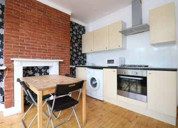 3 bed maisonette to rent in Long Drive, London W3