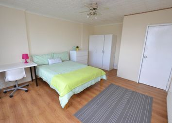 Room to rent in The Quaterdeck, Westferry Road, London E14