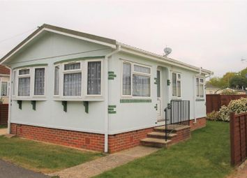 Thumbnail 2 bed mobile/park home for sale in Strande Park, Cookham, Maidenhead