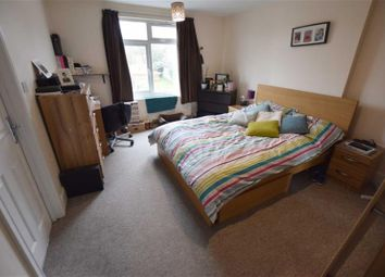 Thumbnail 3 bed flat to rent in Great North Way, Hendon